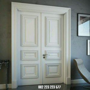 Pintu Double Minimalis Warna Putih Desain Elegan