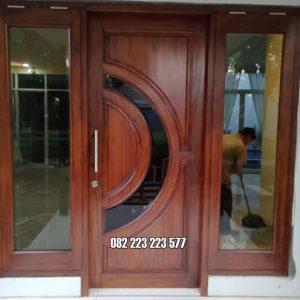 Pintu Utama Single Satu Daun Model Jendela Gendong