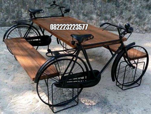 Meja Trembesi Antik Motif Sepeda Ontel Untuk Cafe