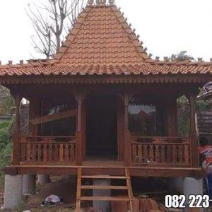 Rumah Kayu Mungil Ukiran Klasik Jepara