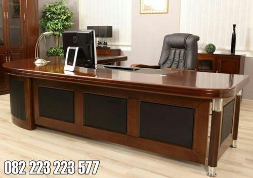 Meja Kantor Minimalis Kayu Jati Untuk Ruang Kerja