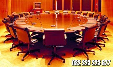 Model Meja Rapat Bundar Untuk Ruangan Kantor Besar